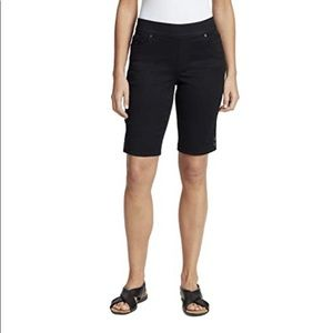 Gloria Vanderbilt Women's Pull on Bermuda shorts
